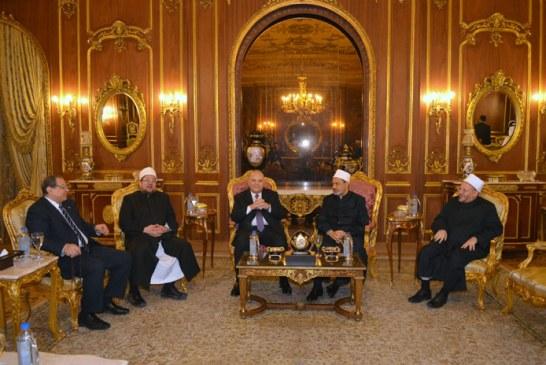 وزير الأوقاف : <center> كلام مفتي البوسنة السابق <br/> بمؤتمر الإفتاء يُحمّلنا أمانة عظيمة <center/>