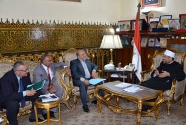 <center> وزير الأوقاف يجتمع <br/> بمسئولي الأوقاف <br/> ورئيس قطاع الآثار الإسلامية <br/> والقبطية بوزارة الآثار <center/>