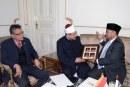 وزير الشئون الدينية بماليزيا :<center>يشيد بدور الأوقاف المصرية <br/>وجهود معالي الوزير <br/>في مواجهة الفكر المتطرف<center/>